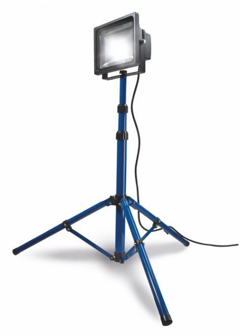 CHIP-LED Strahler 30W  IP65 auf Stativ